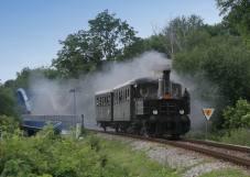 Parní lokomotiva 310.0134 v čele zvláštního vlaku přejela most přes řeku Jizeru v Turnově dne 5.6.2007. Foto Miloslav Nečas (29)