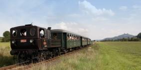 Parní lokomotiva 310.0134 v čele zvláštního vlaku u stanice Hrubá Skála dne 18.8.2007. Foto Miloslav Nečas (33)