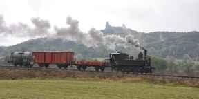 Zvláštní nákladní vlak tažený parní lokomotivou 310.134 u Ktové dne 17.10.2009. Foto Aleš Hégr (43)